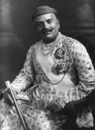 Sayajirao_Gaekwad_III,_Maharaja_of_Baroda,_1919.jpg