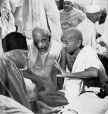 Gandhi,_Patel_and_Maulana_Azad_Sept_1940.jpg