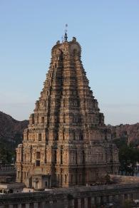 View_of_the_Virupaksha_temple_gopura_from_Hemakuta_hill_2.jpg